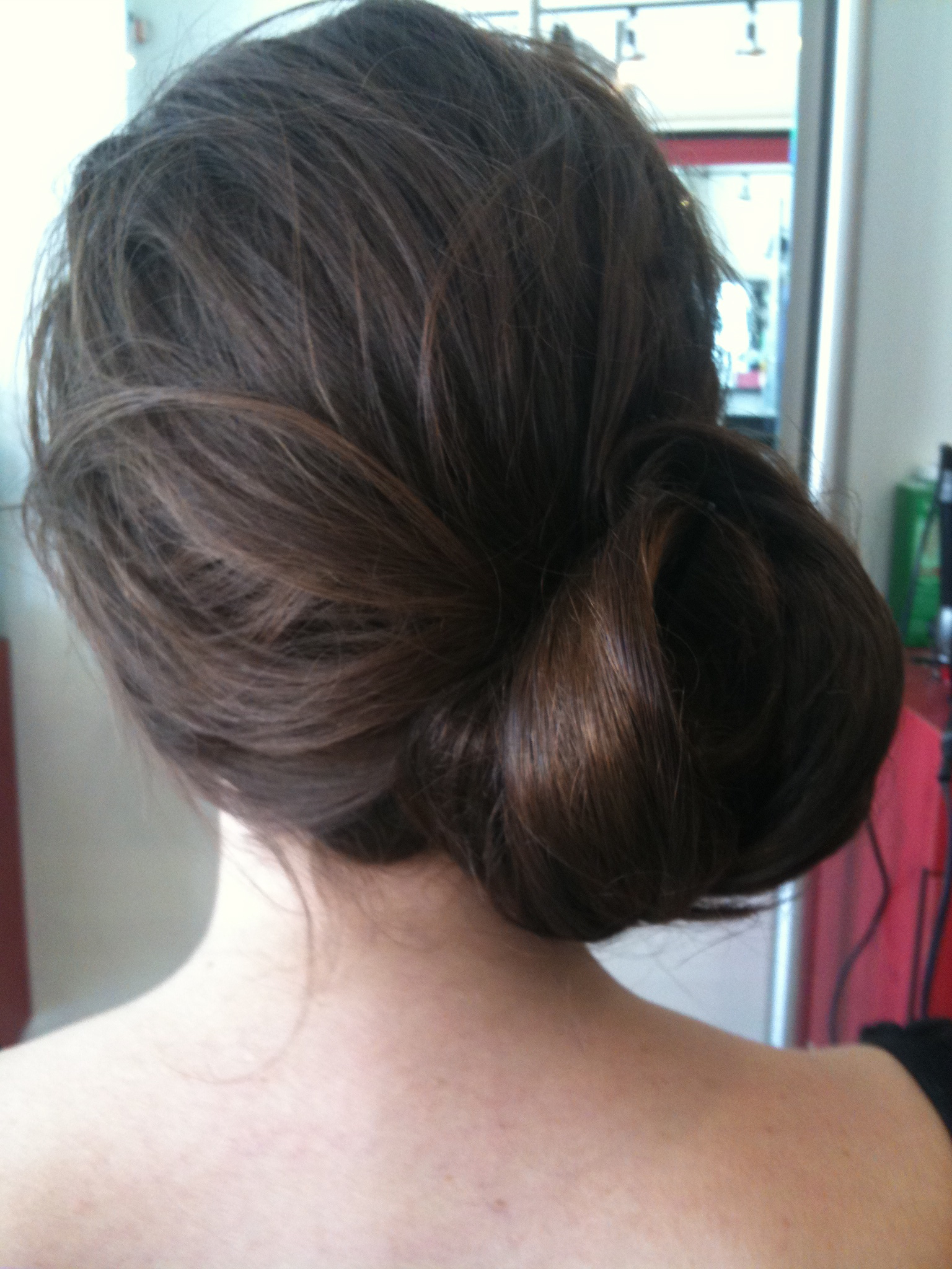 how to make a low side chignon